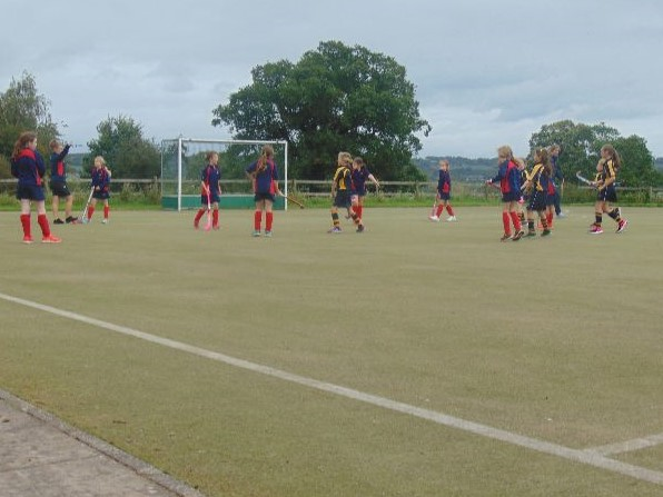 U9 Hockey 4th October Cropped
